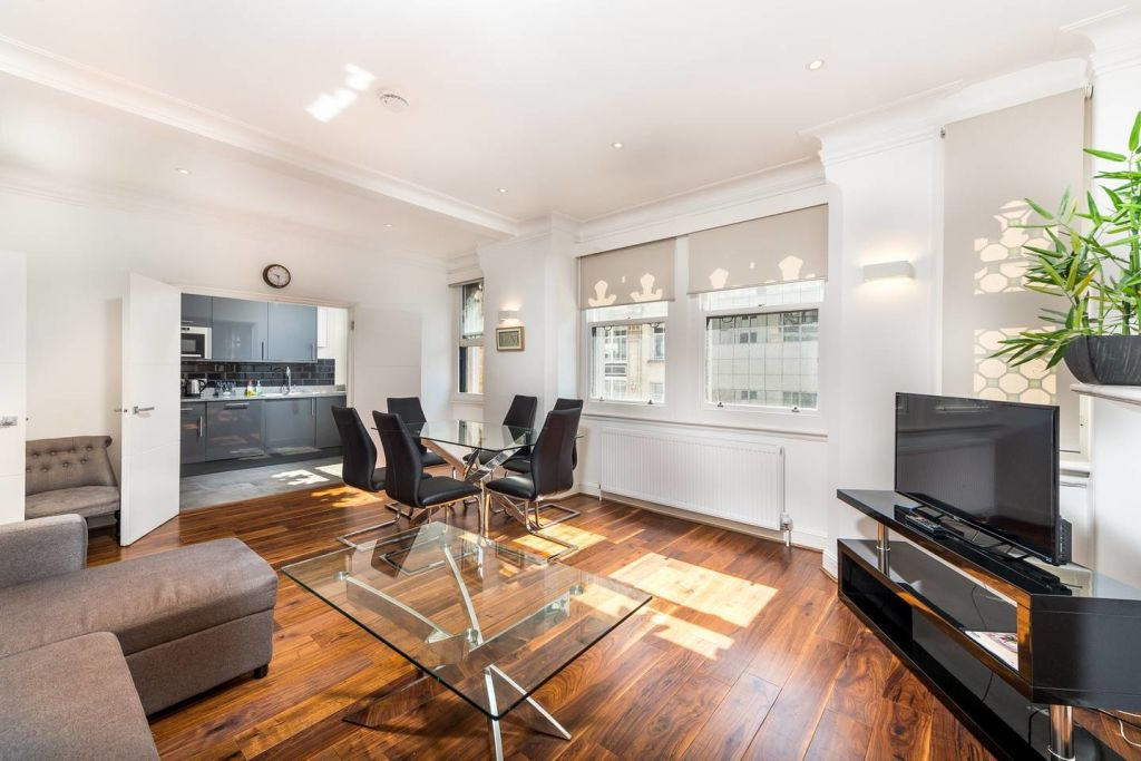 image 1 furnished 2 bedroom Apartment for rent in Castle Baynard, City of London