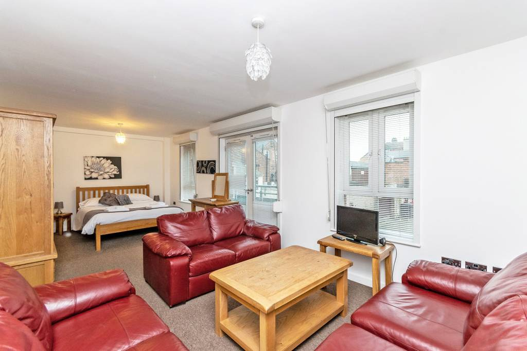 image 5 furnished 3 bedroom Apartment for rent in Chester, Cheshire