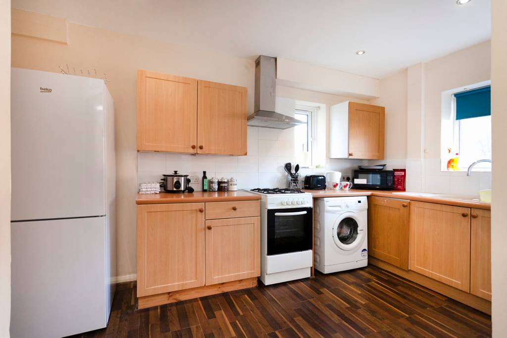 image 6 furnished 3 bedroom Apartment for rent in Charnwood, Leicestershire
