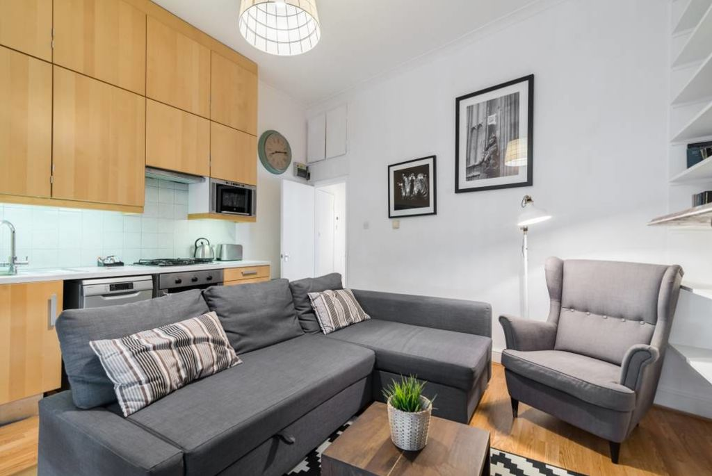 image 6 furnished 2 bedroom Apartment for rent in North End, Bexley