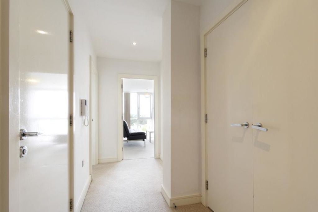 image 3 furnished 1 bedroom Apartment for rent in Dacorum, Hertfordshire