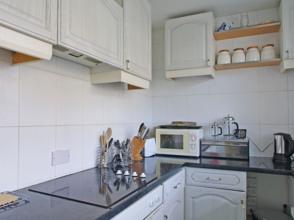 image 5 furnished 2 bedroom Apartment for rent in Sands End, Hammersmith Fulham
