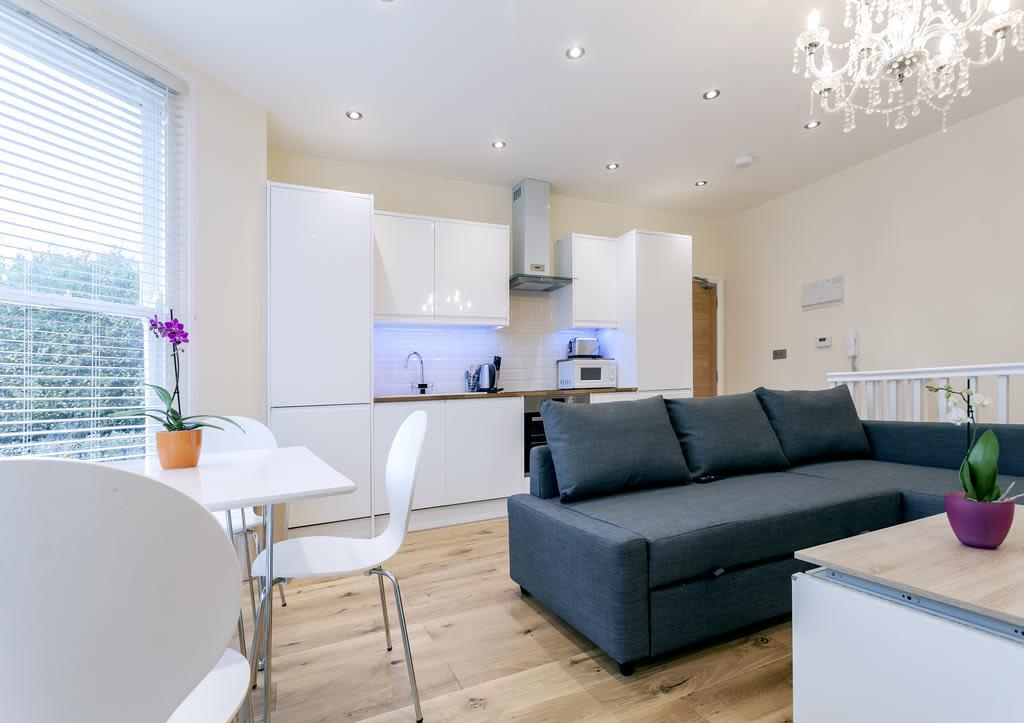 image 2 furnished 2 bedroom Apartment for rent in Cricklewood, Barnet