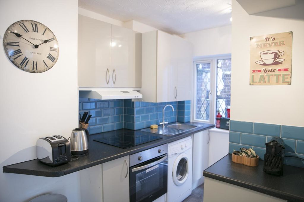 image 3 furnished 1 bedroom Apartment for rent in South Cambridgeshire, Cambridgeshire