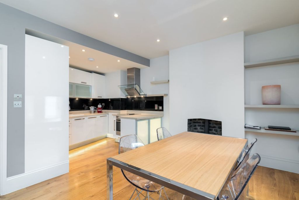 image 7 furnished 2 bedroom Apartment for rent in Dalston, Hackney