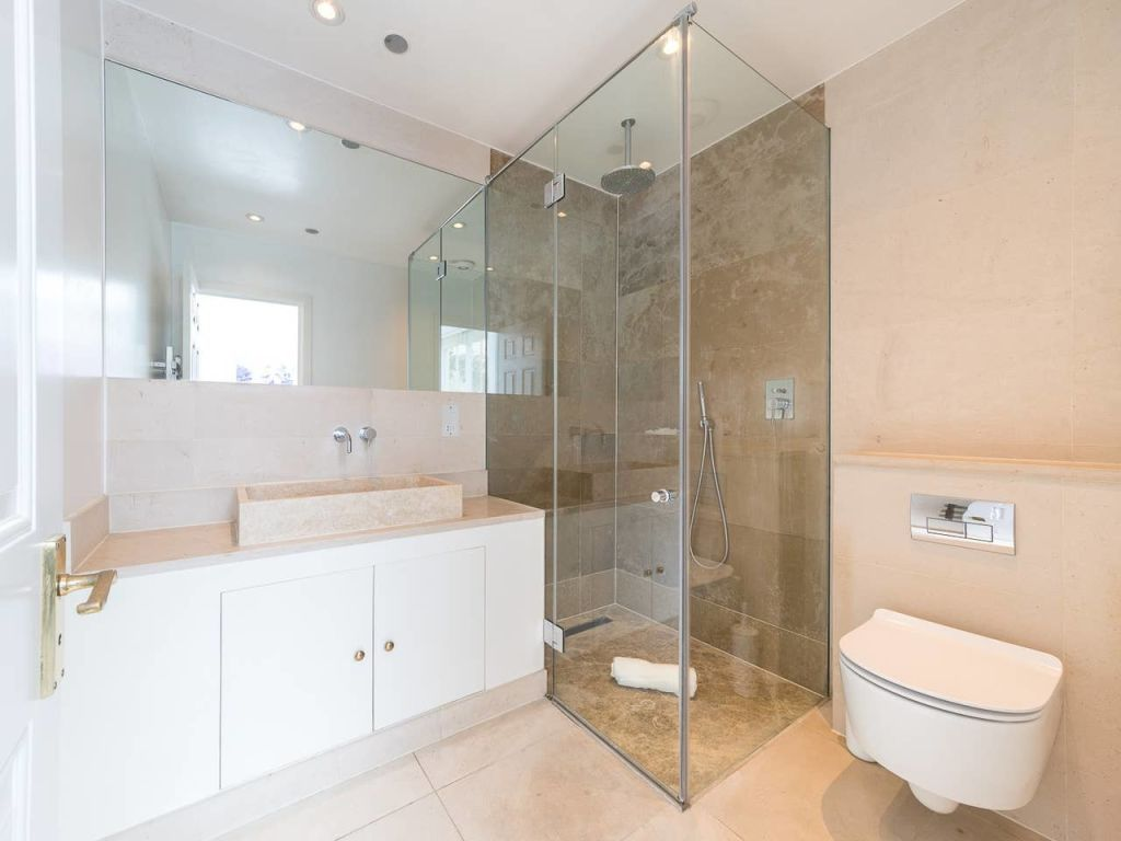 image 10 furnished 3 bedroom Apartment for rent in Enfield Town, Enfield