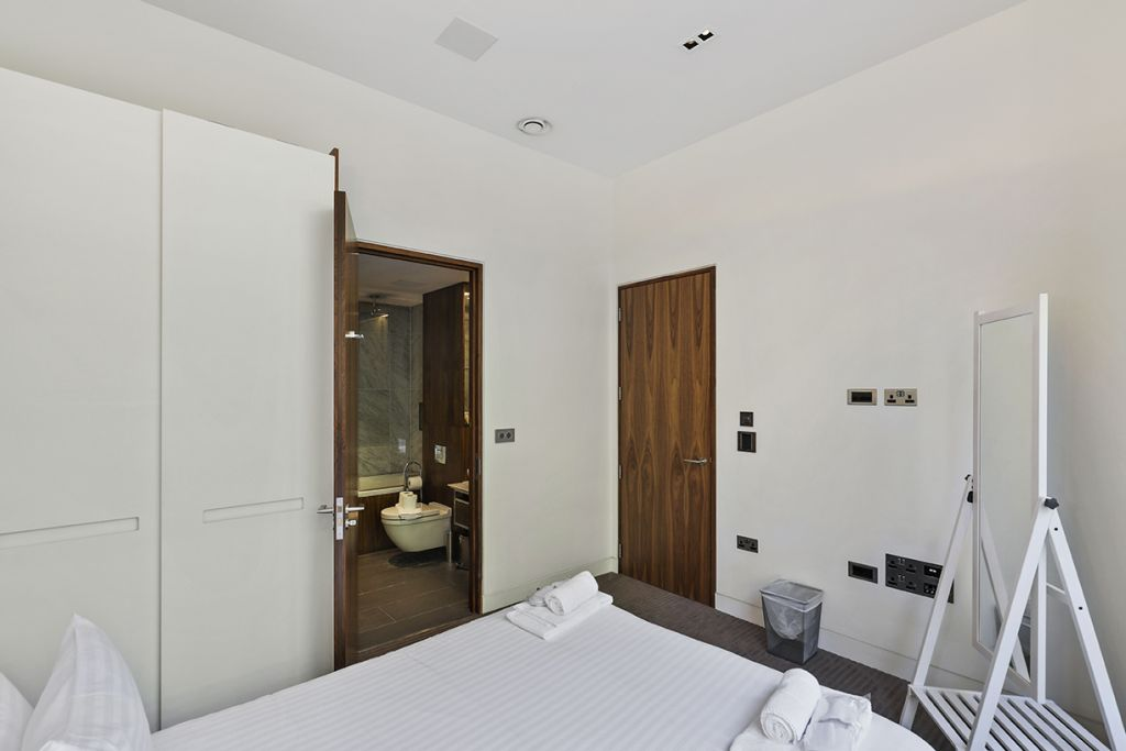 image 3 furnished 1 bedroom Apartment for rent in Bassishaw, City of London