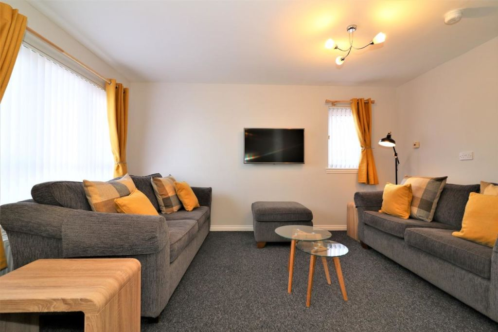 image 6 furnished 3 bedroom Apartment for rent in Glasgow, Scotland