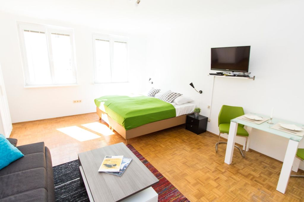 image 1 furnished 1 bedroom Apartment for rent in Penzing, Vienna