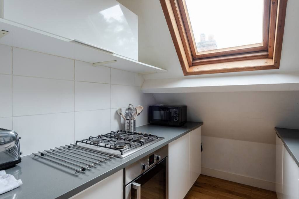image 10 furnished 2 bedroom Apartment for rent in Wimbledon, Merton