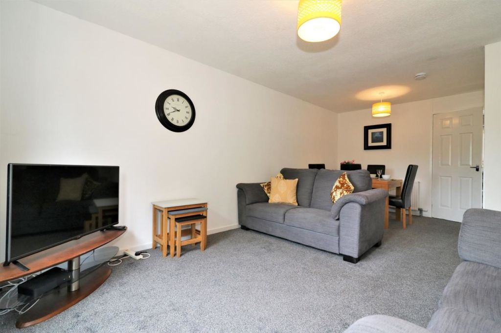 image 2 furnished 4 bedroom Apartment for rent in Glasgow, Scotland