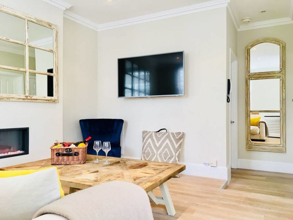 image 5 furnished 1 bedroom Apartment for rent in Bayswater, City of Westminster