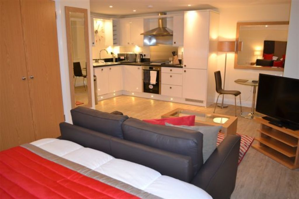 image 6 furnished 1 bedroom Apartment for rent in Basingstoke and Deane, Hampshire