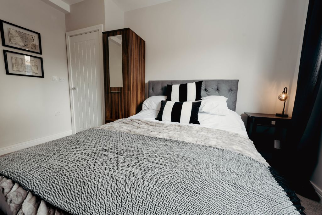 image 7 furnished 2 bedroom Apartment for rent in Hinckley and Bosworth, Leicestershire