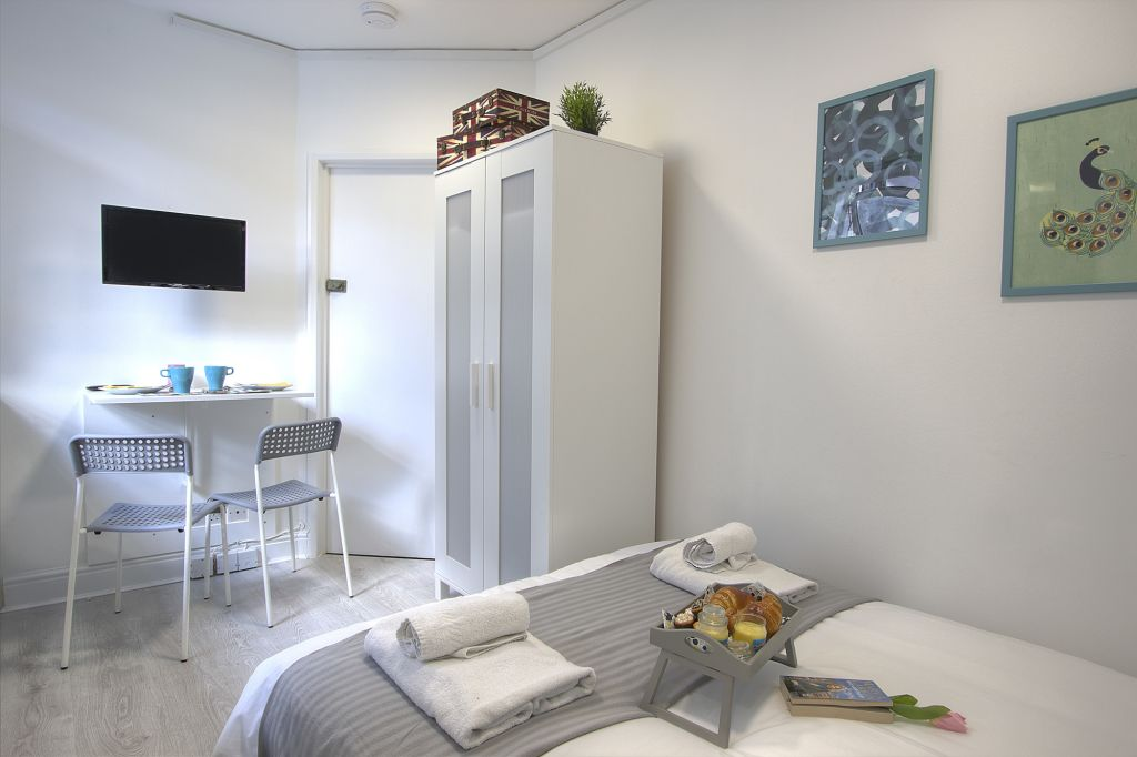 image 2 furnished 1 bedroom Apartment for rent in Willesden, Brent