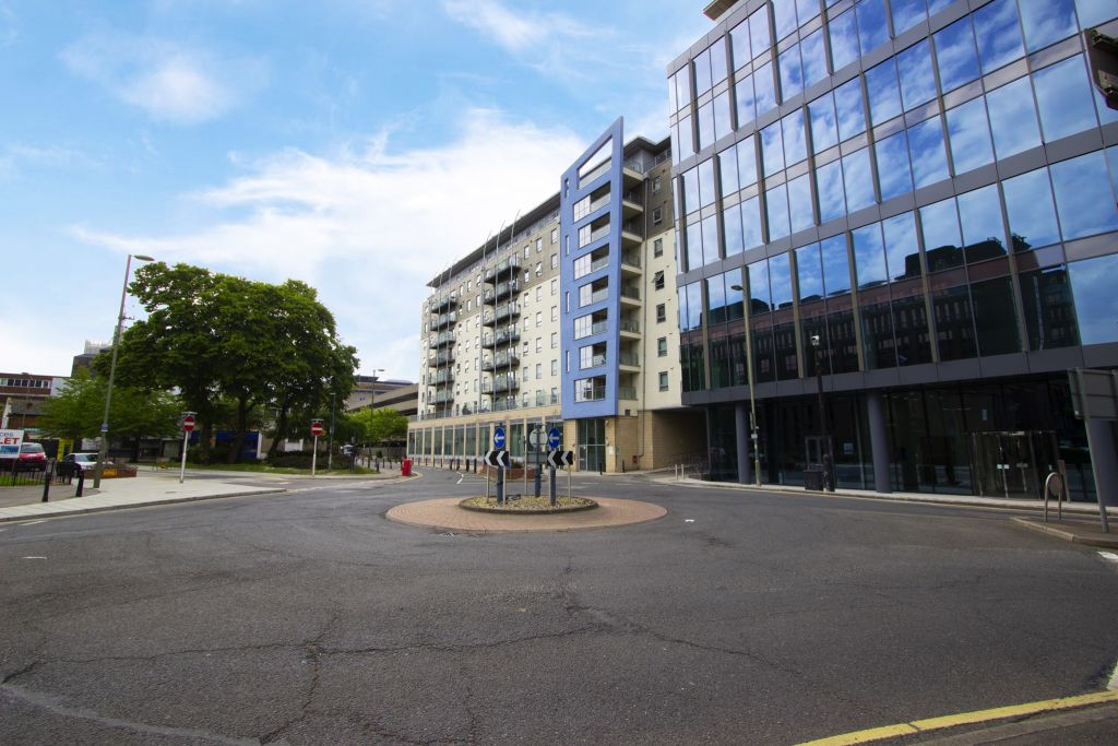 image 7 furnished 2 bedroom Apartment for rent in Woking, Surrey