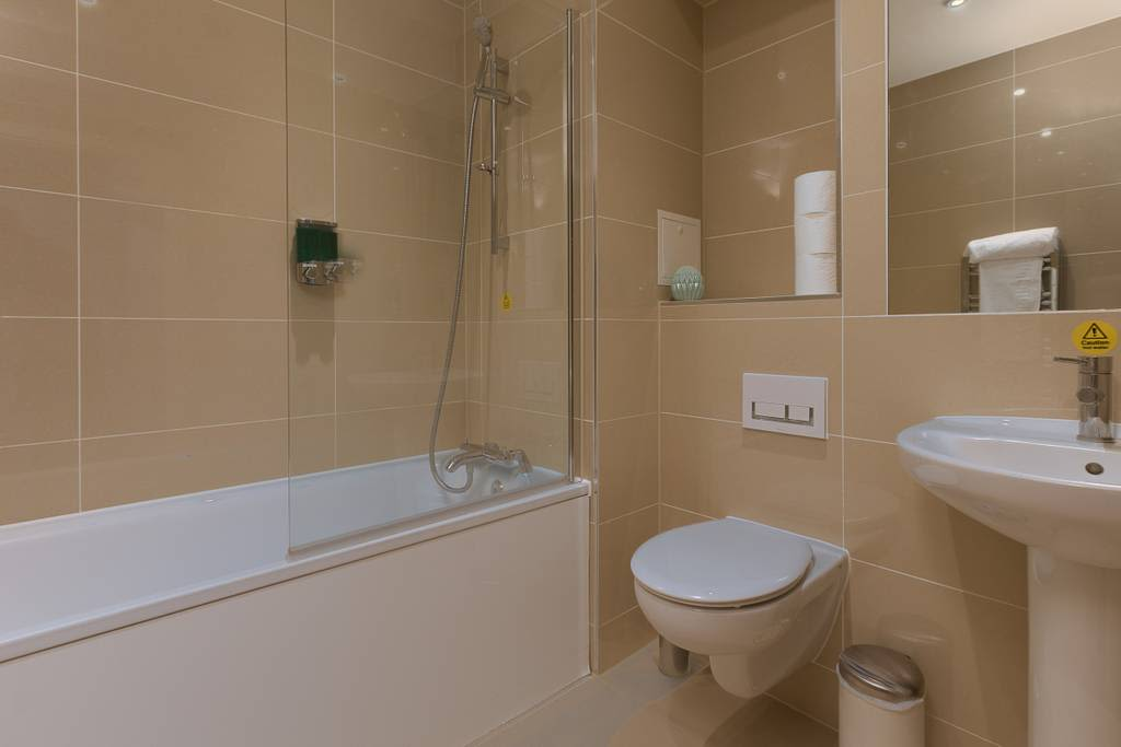 image 8 furnished 1 bedroom Apartment for rent in Enfield Town, Enfield