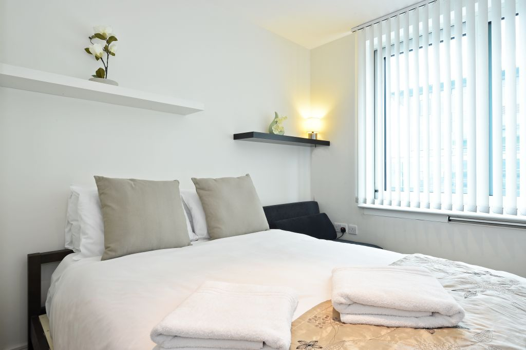 image 5 furnished 2 bedroom Apartment for rent in Lambeth, Lambeth