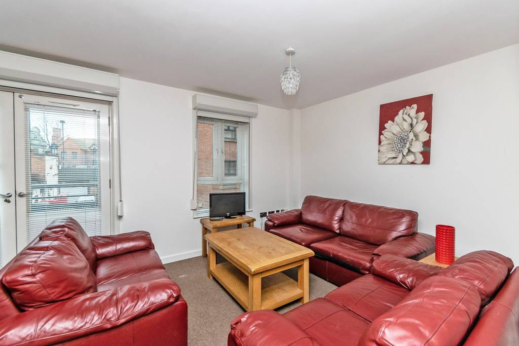 image 4 furnished 3 bedroom Apartment for rent in Chester, Cheshire