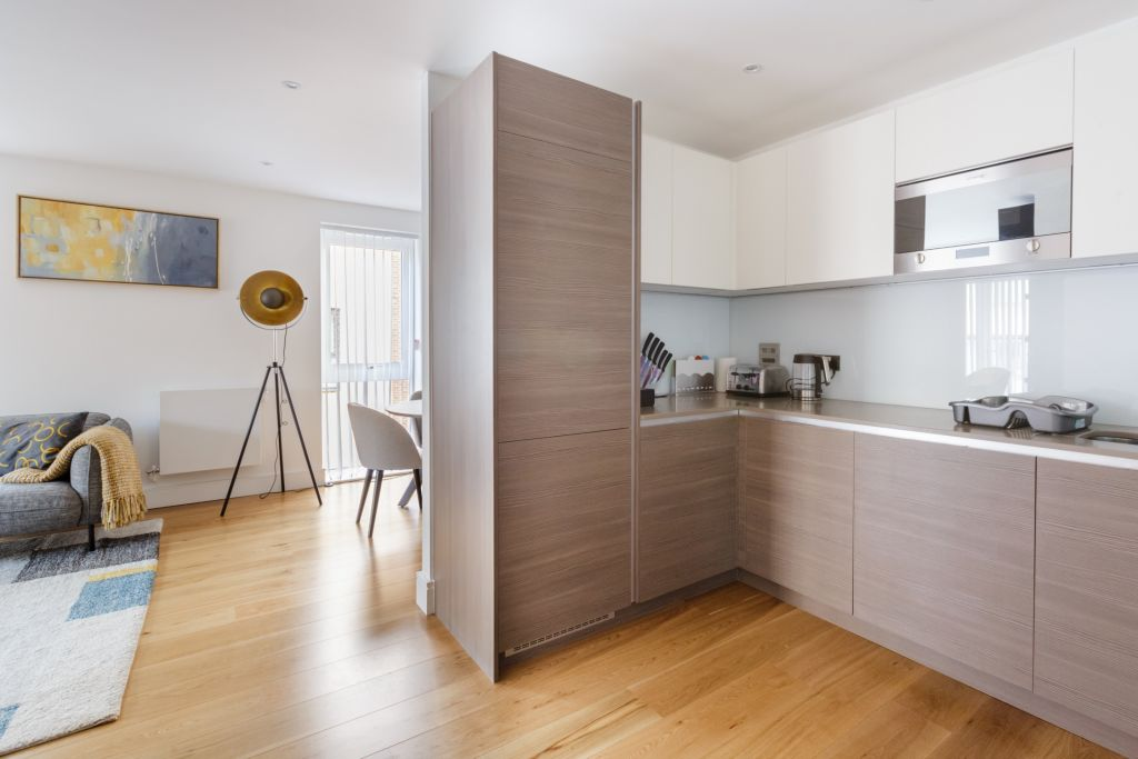 image 6 furnished 3 bedroom Apartment for rent in Queensbury, Harrow