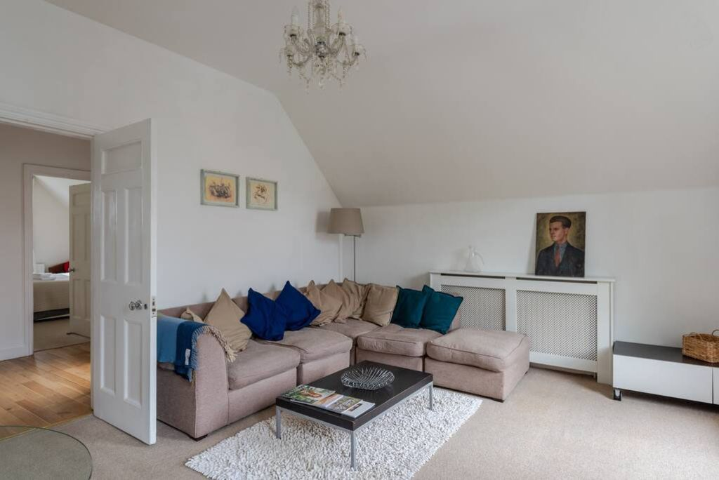 image 4 furnished 2 bedroom Apartment for rent in Wimbledon, Merton