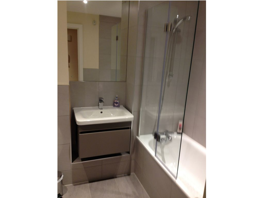 image 2 furnished 2 bedroom Apartment for rent in West Drayton, Hillingdon