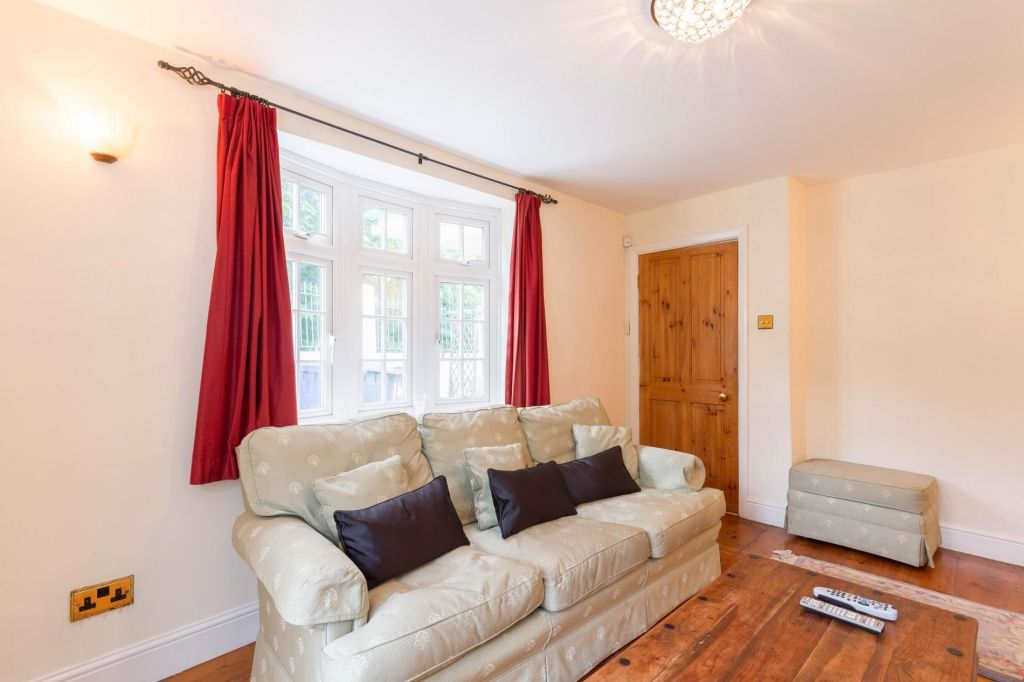 image 2 furnished 2 bedroom Apartment for rent in Barnet, Barnet