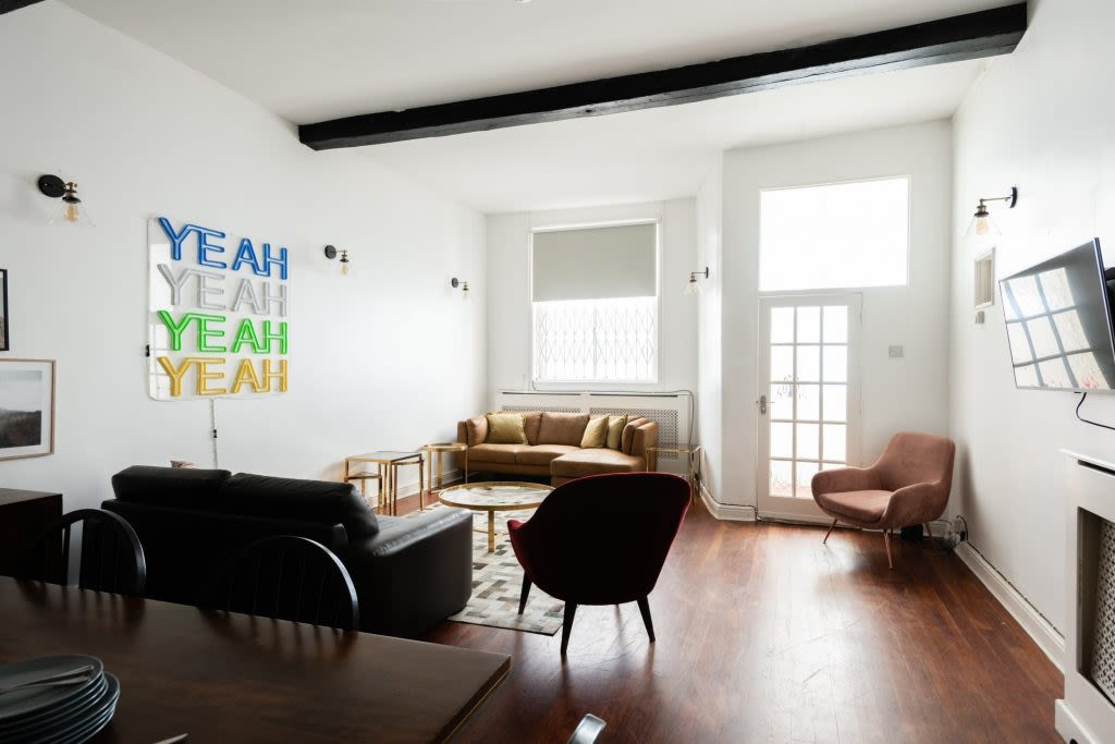 image 1 furnished 5 bedroom Apartment for rent in Earls Court, Kensington Chelsea