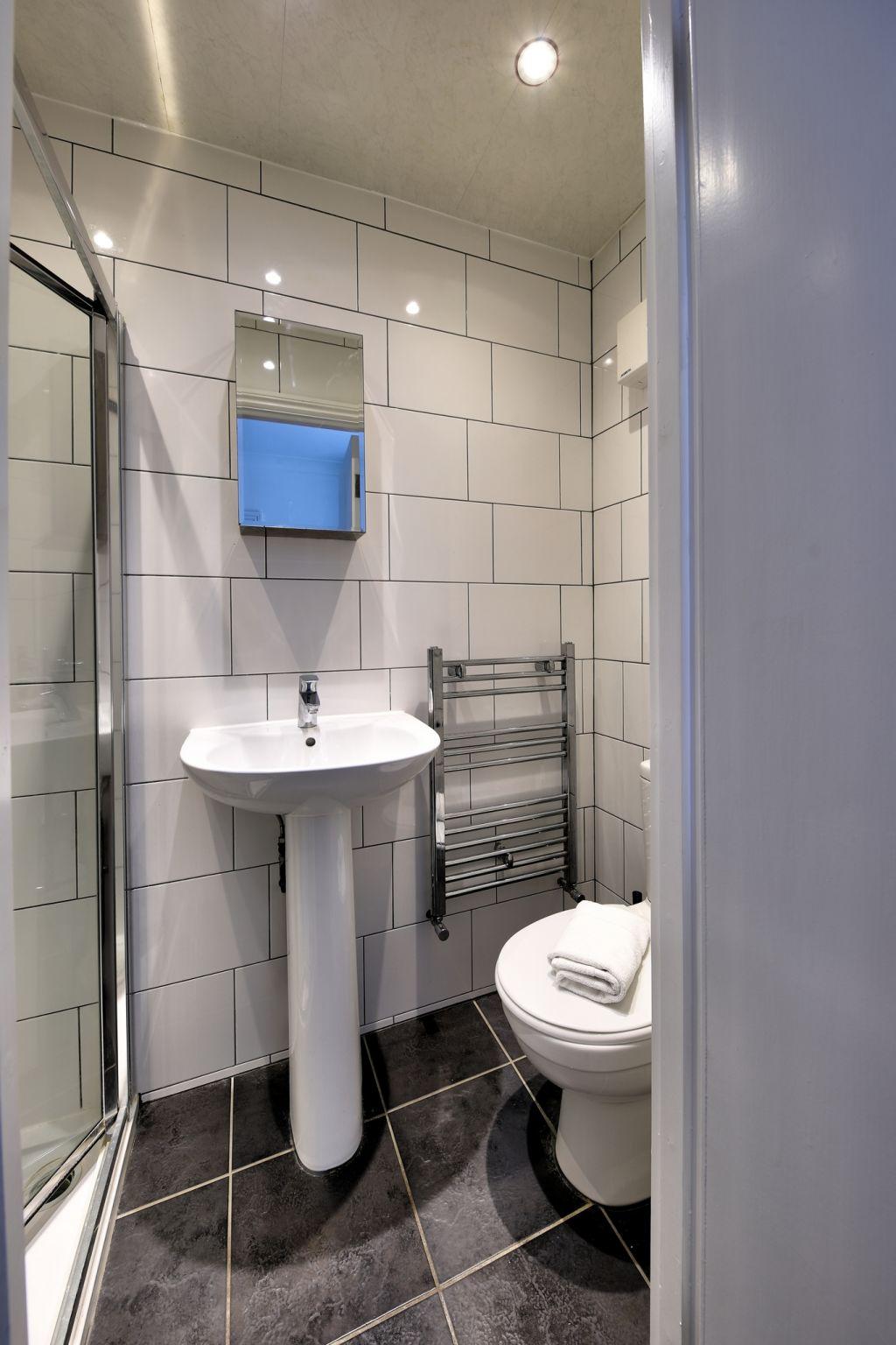 image 3 furnished 1 bedroom Apartment for rent in Cricklewood, Barnet