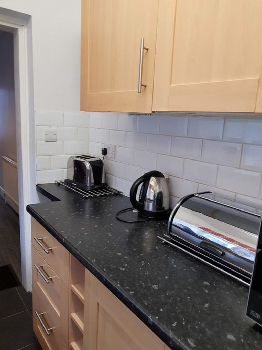 image 6 furnished 3 bedroom Apartment for rent in Luton, Bedfordshire