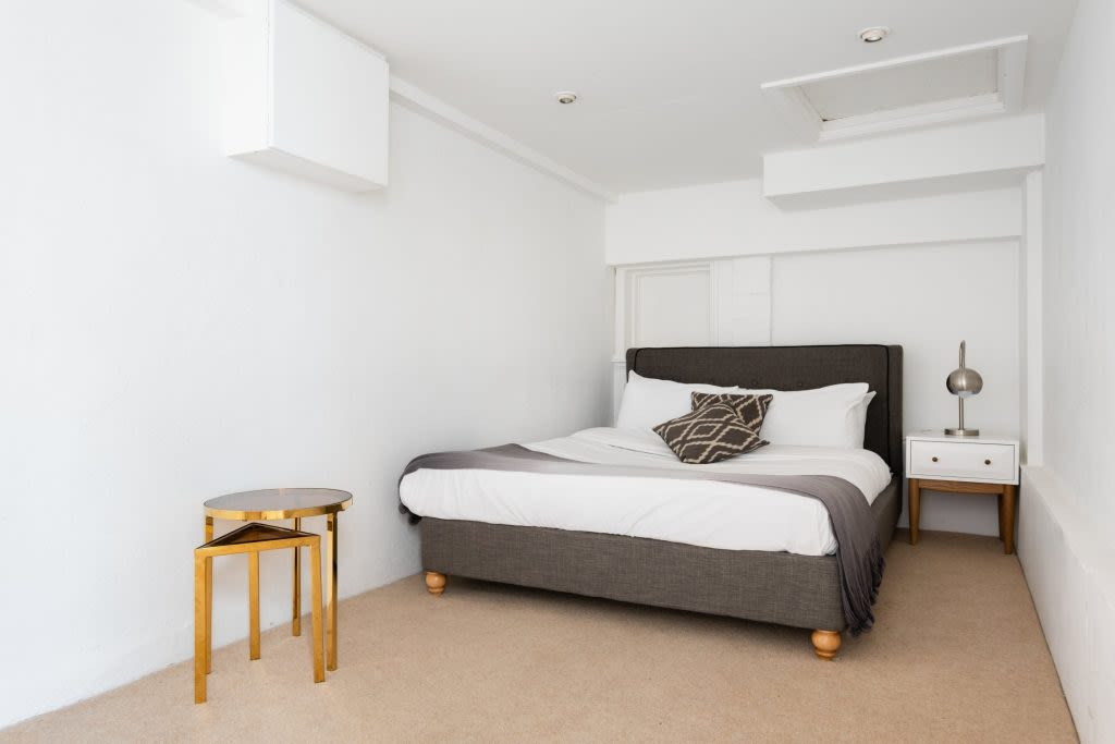 image 9 furnished 5 bedroom Apartment for rent in Earls Court, Kensington Chelsea
