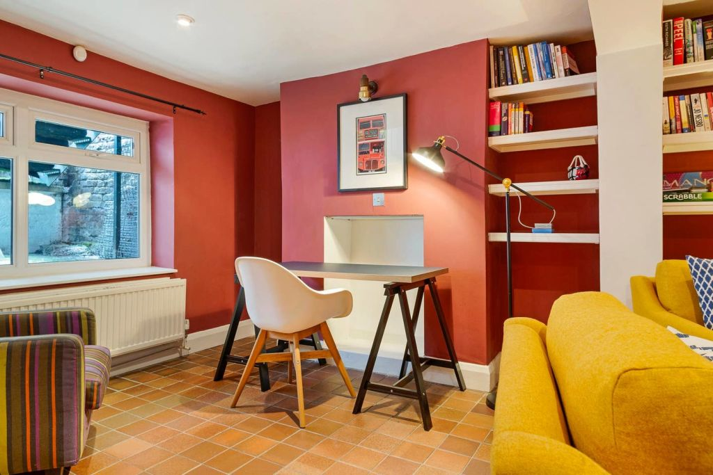 image 3 furnished 3 bedroom Apartment for rent in De Beauvoir Town, Hackney