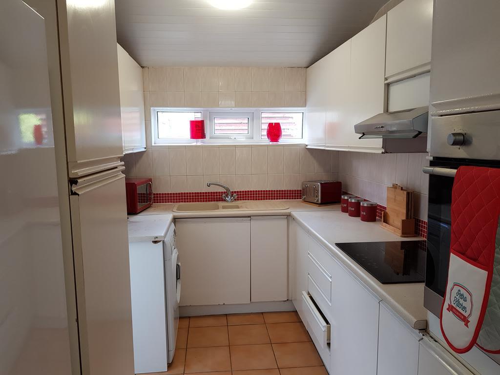 image 7 furnished 2 bedroom Apartment for rent in Gedling, Nottinghamshire