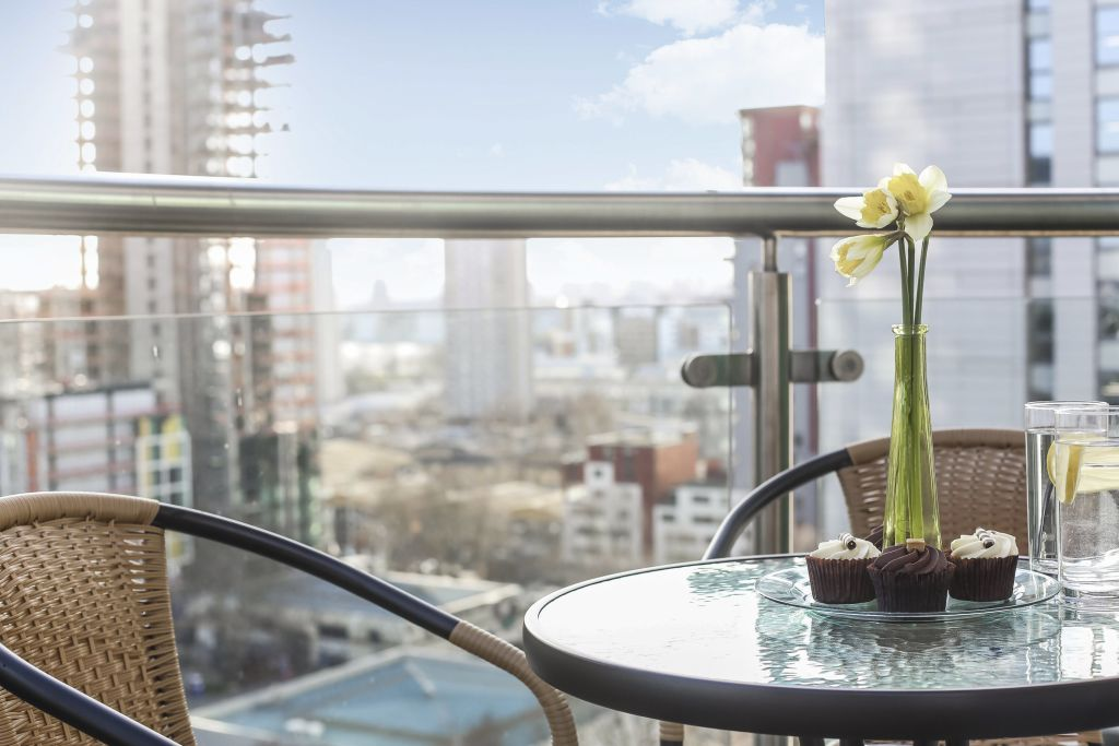 image 5 furnished 2 bedroom Apartment for rent in Canary Wharf, Tower Hamlets