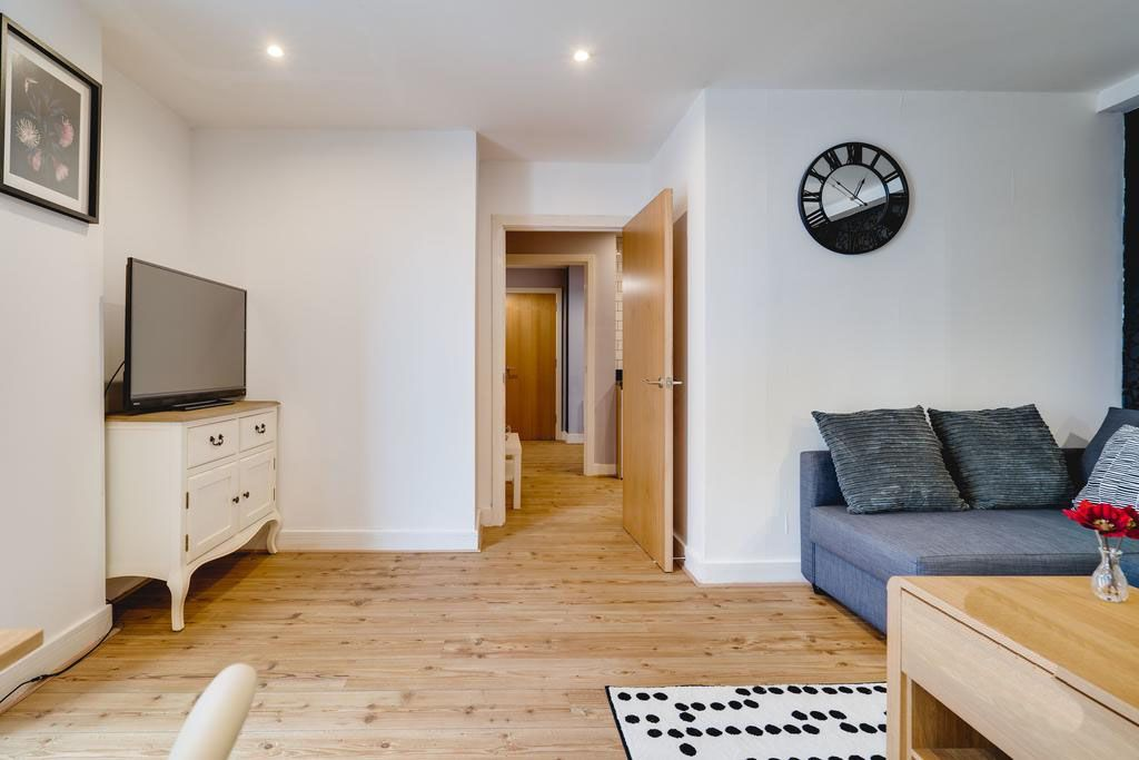 image 2 furnished 1 bedroom Apartment for rent in Ladywood, Birmingham