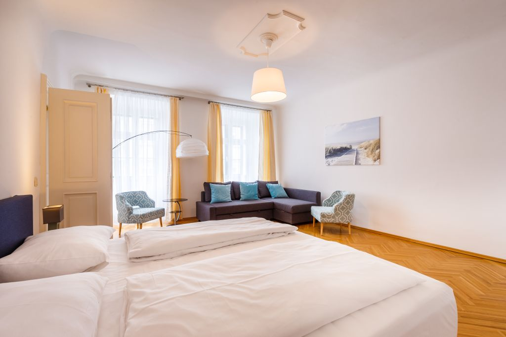 image 3 furnished 3 bedroom Apartment for rent in Innere Stadt, Vienna