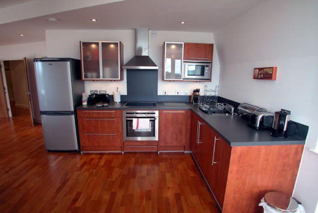 image 1 furnished 1 bedroom Apartment for rent in Spelthorne, Surrey