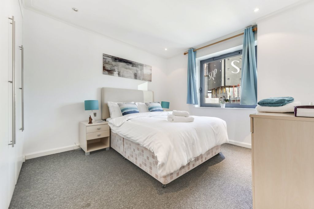 image 6 furnished 2 bedroom Apartment for rent in Canary Wharf, Tower Hamlets