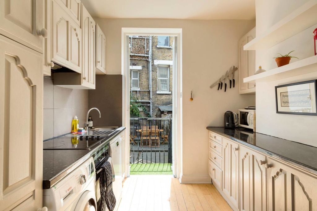 image 7 furnished 3 bedroom Apartment for rent in De Beauvoir Town, Hackney
