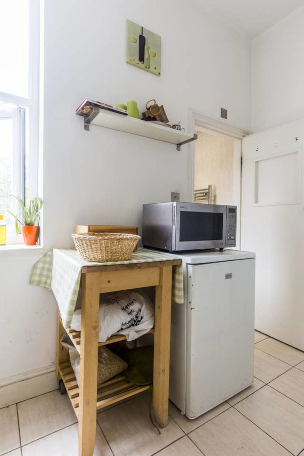 image 5 furnished 3 bedroom Apartment for rent in West Hampstead, Camden