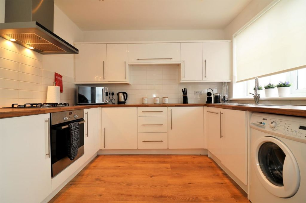 image 7 furnished 3 bedroom Apartment for rent in Victoria Park, Manchester