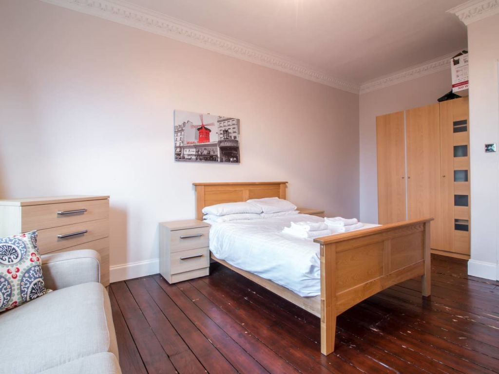 image 8 furnished 2 bedroom Apartment for rent in Victoria Park, Manchester