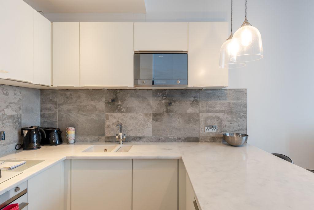 image 7 furnished 2 bedroom Apartment for rent in Kilburn, Brent