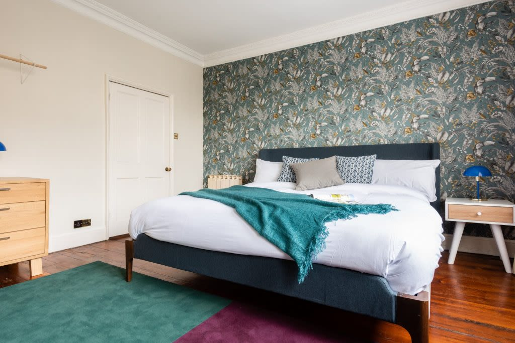 image 9 furnished 4 bedroom Apartment for rent in Bath and North East, Somerset