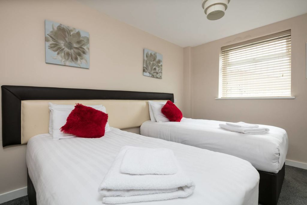 image 1 furnished 1 bedroom Apartment for rent in Cheetham, Manchester