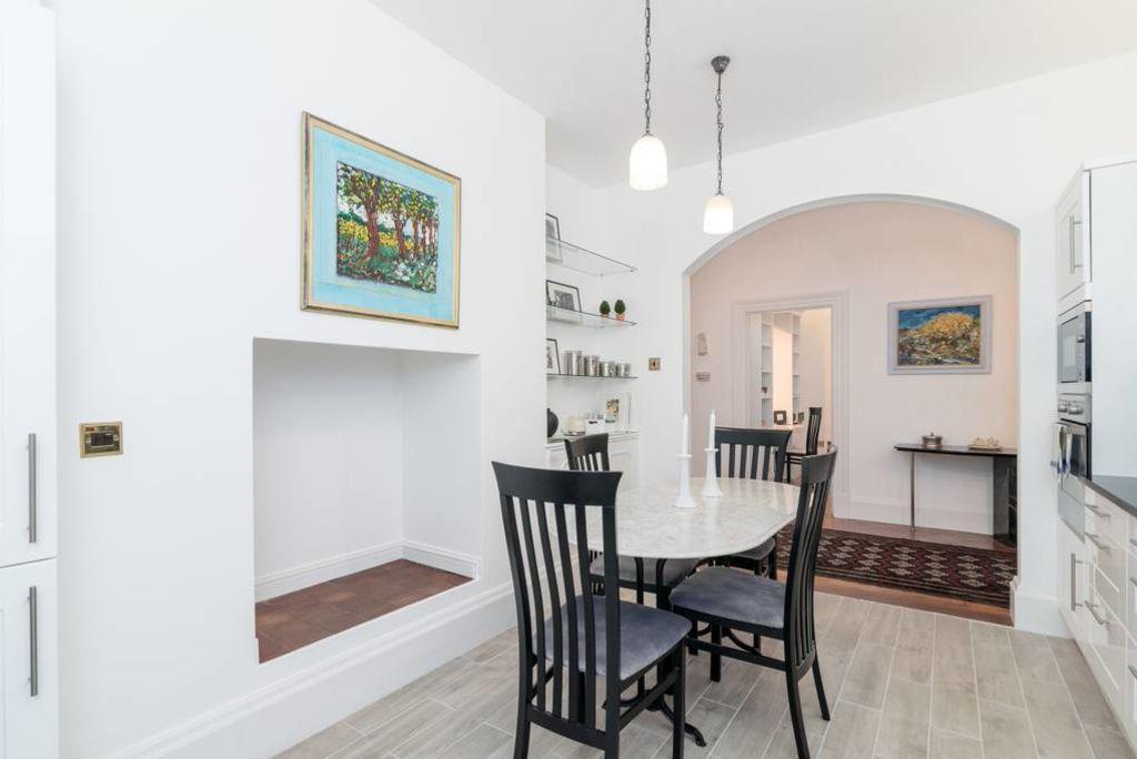 image 4 furnished 1 bedroom Apartment for rent in Kensington, Kensington Chelsea