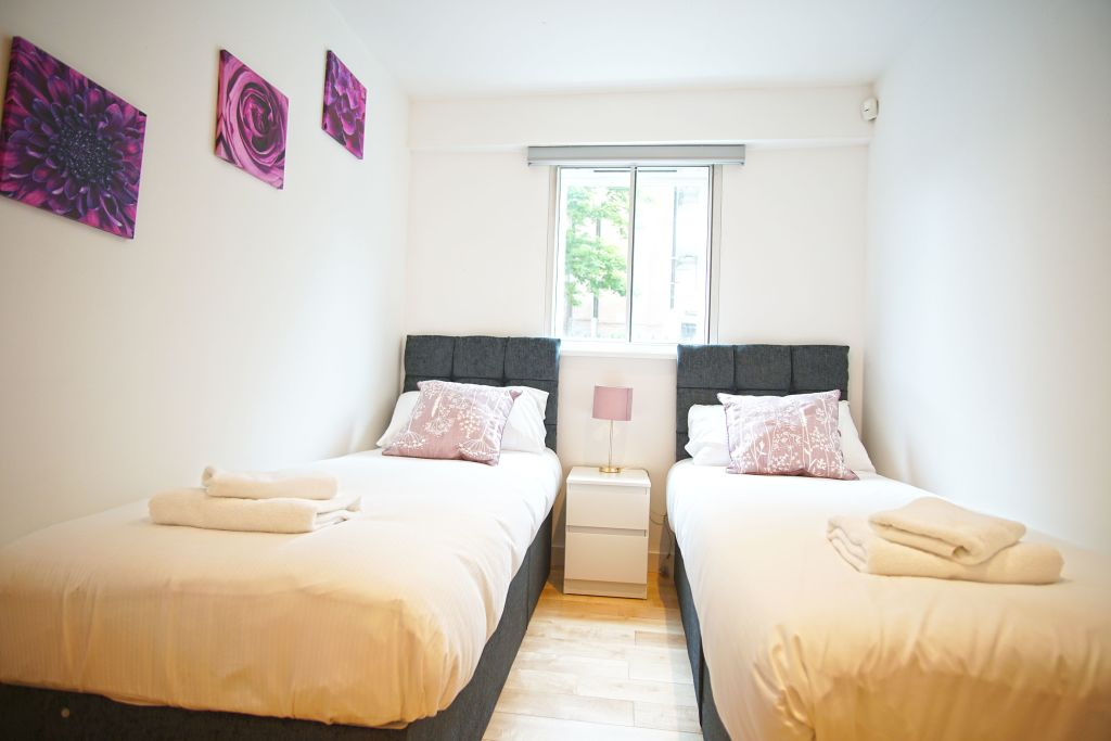 image 9 furnished 2 bedroom Apartment for rent in Poplar, Tower Hamlets