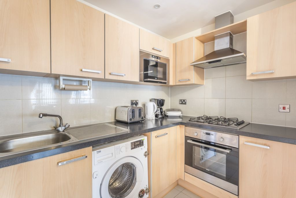 image 7 furnished 1 bedroom Apartment for rent in Colindale, Barnet