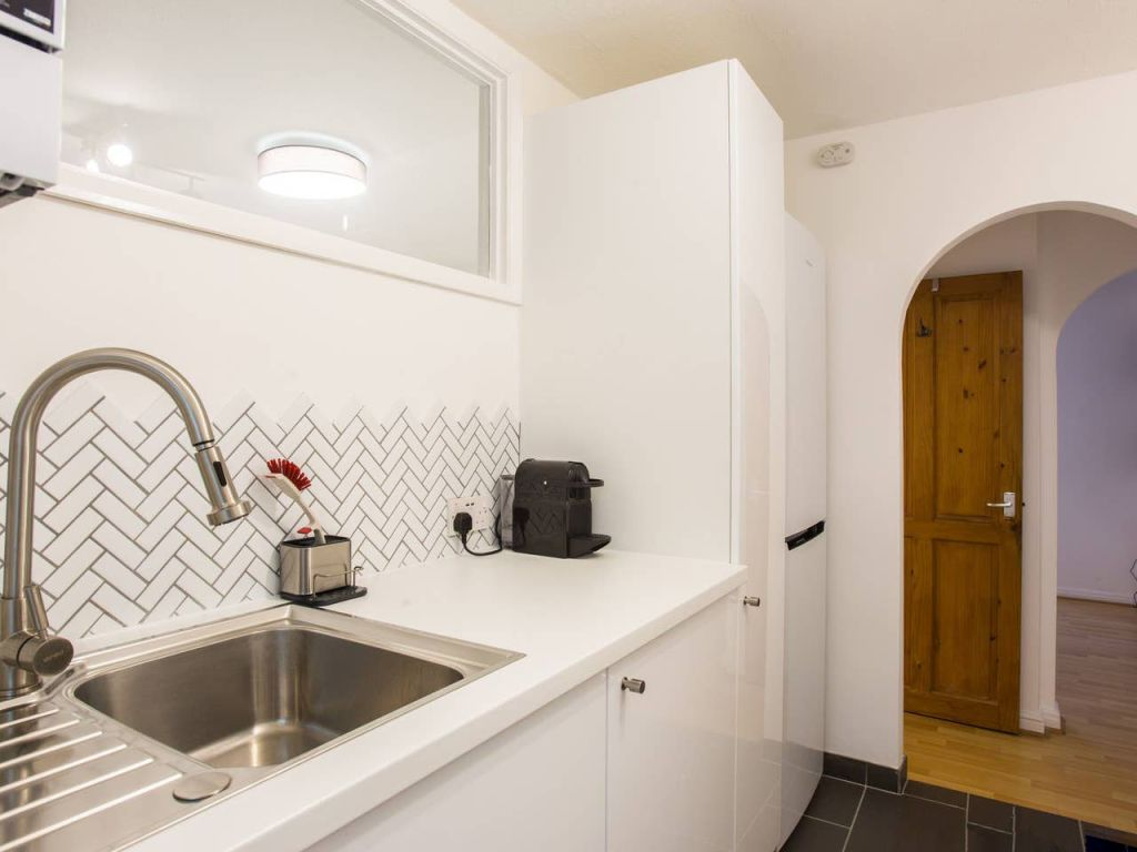 image 7 furnished 1 bedroom Apartment for rent in Brighton - Hove, East Sussex