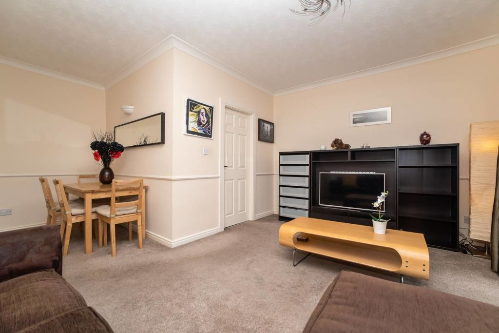 image 3 furnished 2 bedroom Apartment for rent in Gateshead, Tyne and Wear